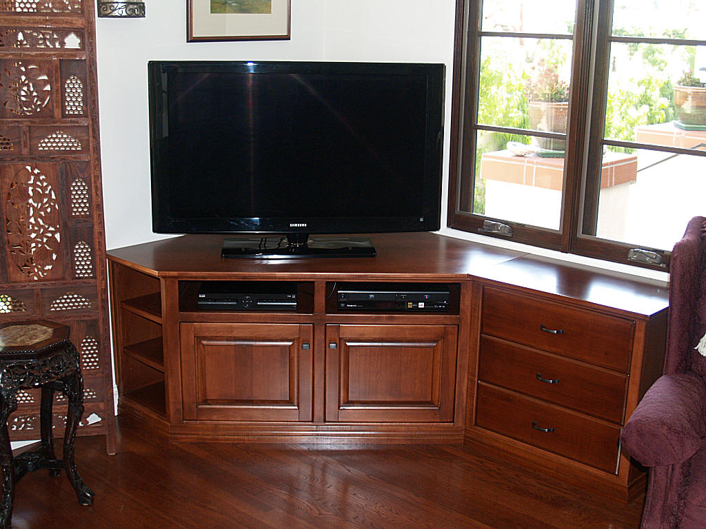 Custom Maple Corner TV Stand